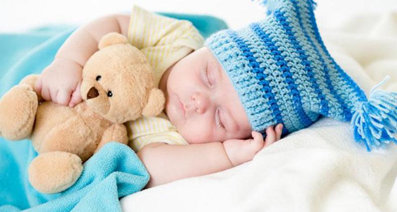 Новорожденный плохо спит днем
